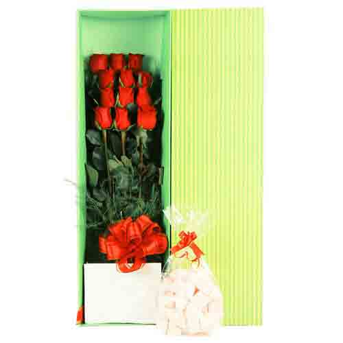 Cheerful Bunch of Long Stemmed Roses with Chocolates