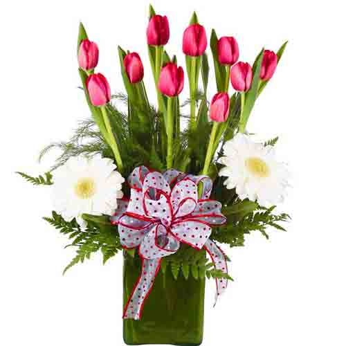 Festive Everlasting Flower Bouquet of Gerbera N Tulips