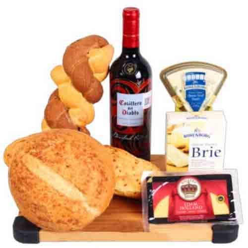 Welcoming Red Wine N Cheese Assortments Gift Hamper