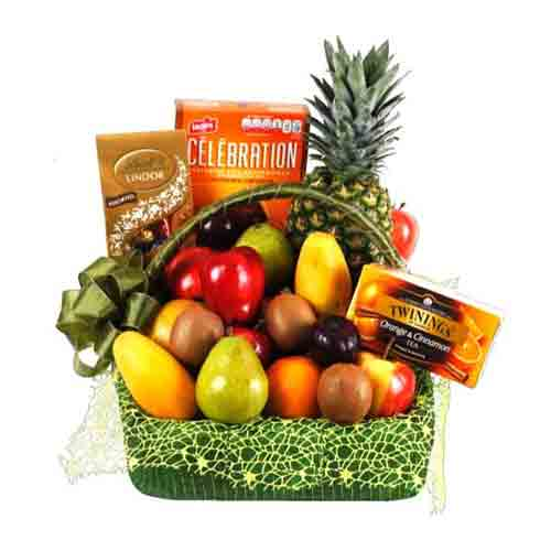 Natures-Finest Fresh Fruits N Chocolate Gift Basket