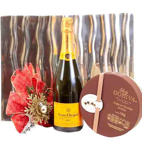 Mesmerizing Wine N Chocolate Combo Gift Hamper